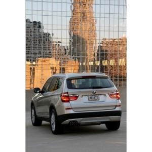Der neue BMW X3 Hinteransicht im Stand