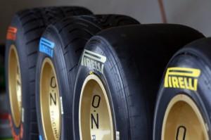 Formel 1 Saison 2011 Pirelli Reifen (c) Charles Coates/LAT