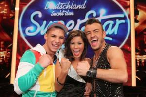 Pietro Lombardi (li.), Sarah Engels und Ardian Bujupi stehen im Halbfinale von DSDS am 30. April 2011 (c) RTL / Stefan Gregorowius