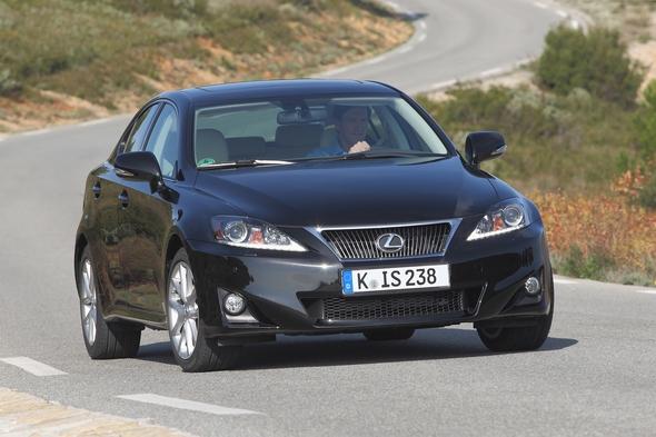 ADAC Kundenzufriedenheit 2011 Lexus ist die neue Nummer 1 LEXUS IS 200d