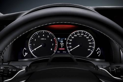 Der neue Lexus GS Armatur