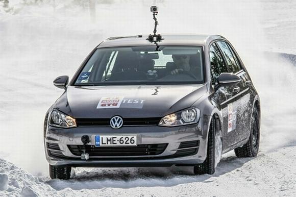 Auto Club Europa Winterreifentest 2014 © ACE Auto Club Europa / Tschovikov