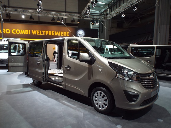 IAA Nutzfahrzeuge 2014 Weltpremiere des Opel Vivaro Combi © Christel Weiher