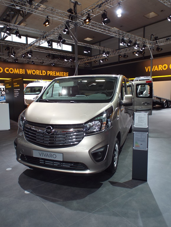IAA Nutzfahrzeuge 2014 Weltpremiere Opel Vivaro Combi © Christel Weiher