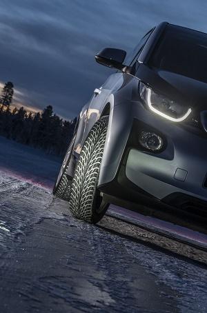 Nokian Hakkapeliitta R2 – erster Winterreifen der Welt mit A-Energie-Klasse für Elektro- und Hybrid-Autos © Nokian Tyres