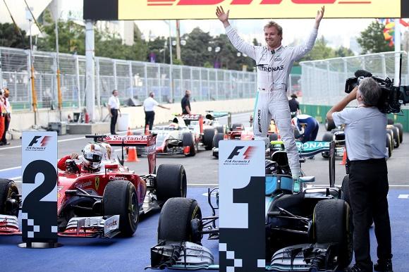 Mercedes AMG Petronas-Pilot Nico Rosberg schreibt Formel 1-Geschichte und holt den ersten Sieg in Aserbaidschan beim Großen Preis von Europa 2016 in Baku © Daimler AG