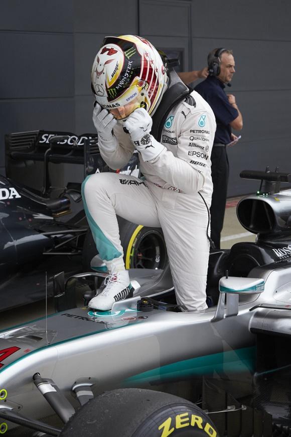 Formel 1 2016 Lewis Hamilton holt sich zum vierten Mal die Pole in Silverstone beim Großen Preis von Großbritannien Mercedes AMG Petronas British GP F1 © Daimler AG